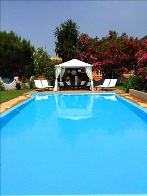 4 bedroom Villa in Chalikouna RE0203