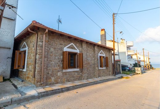 2 bedroom Detached house in Nea Fokea RE0335