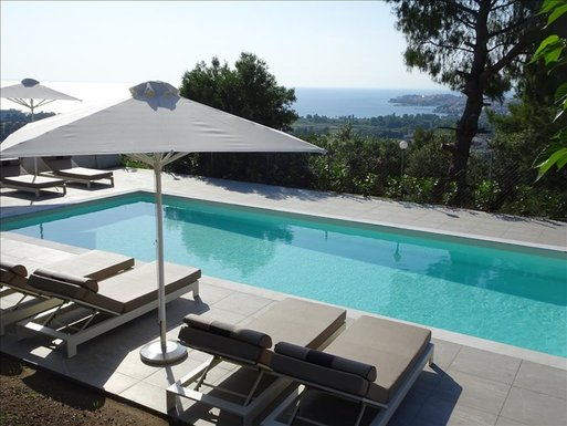 4 bedroom Villa in Neos Marmaras