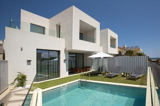 4 bedroom Villa in Kalamaki Chania RE0452