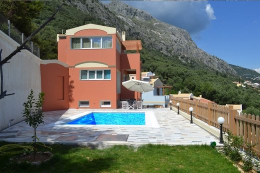 3 bedroom Villa in Barbati RE0493