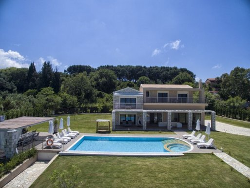 5 bedroom Villa in Roda RE0297