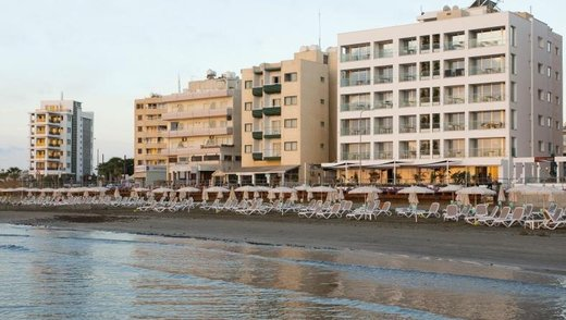 COSTANTIANA BEACH HOTEL