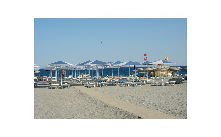 LARISSA SULTAN`S BEACH