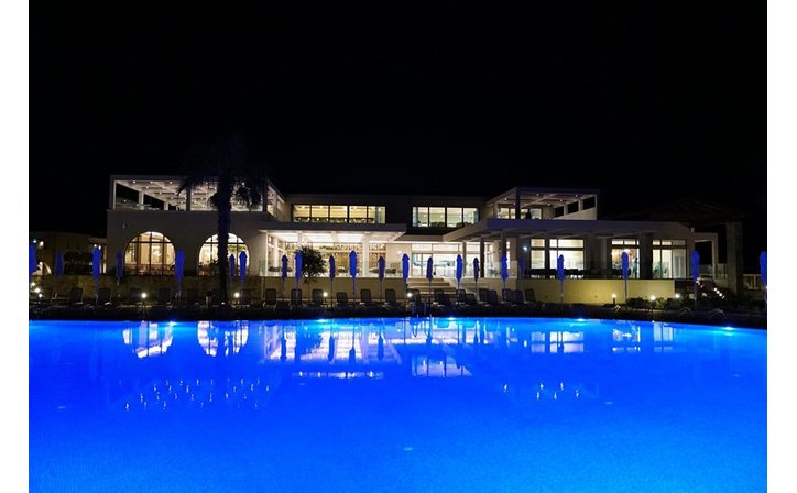 Almyros Beach Resort & Spa