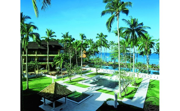 EMERALD COVE RESORT