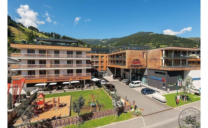 ALPENPARKS HOTEL & APARTMENT CENTRAL (ZELL AM SEE)