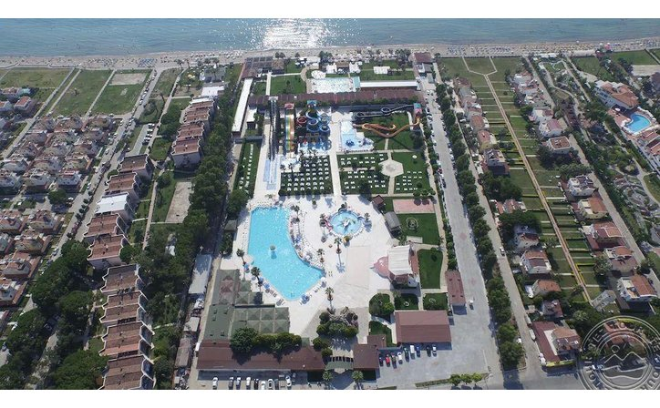 RISUS BEACH RESORT