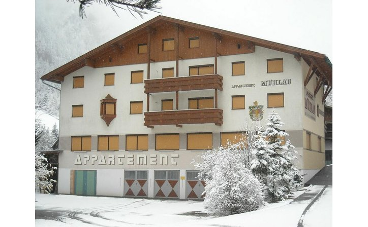 MUEHLAU APPARTMENT