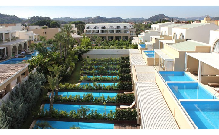 SENTIDO THE IXIAN GRAND ALL SUITES