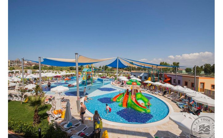 DREAM WORLD AQUA RESORT&SPA