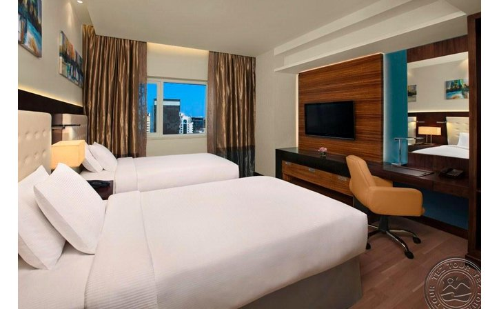 DOUBLE TREE BY HILTON HOTEL & RESIDENCES DUBAI - AL BARSHA