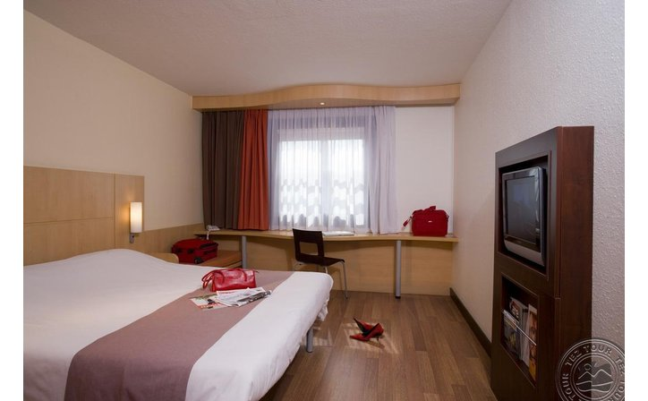 IBIS HEROES SQUARE BUDAPEST