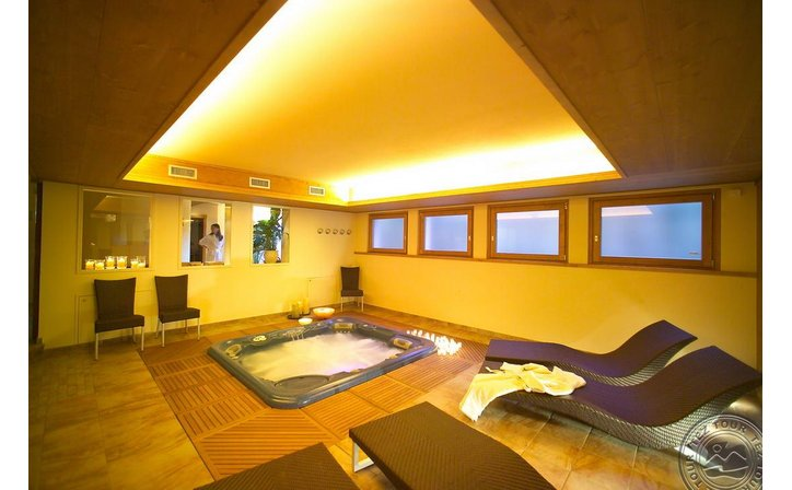 PALACE WELLNESS & BEAUTY HOTEL (BORMIO)