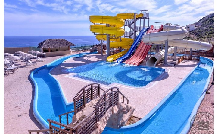 SMARTLINE THE VILLAGE RESORT & WATERPARK
