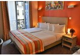 29 LEPIC MONTMARTRE HOTEL